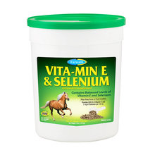 Vita-Min E & Selenium Crumbles Horse Supplement